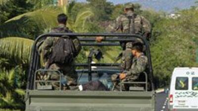 Choque entre militares y sicarios dejó al menos tres muertos en Monterre...