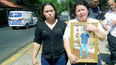 Grethel Urbina (izquierda) y Darling Urbina (derecha), hermana y madre d...