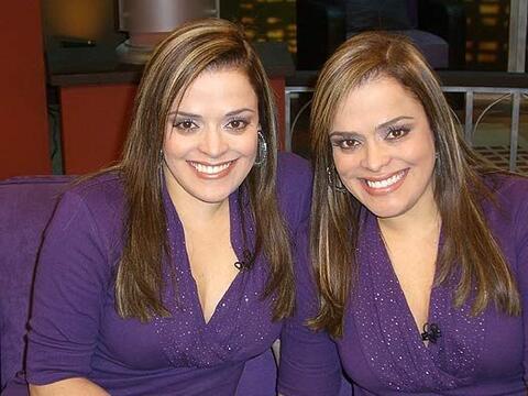 Las gemelas Norhelia y Nelly son expertas en cartomancia.