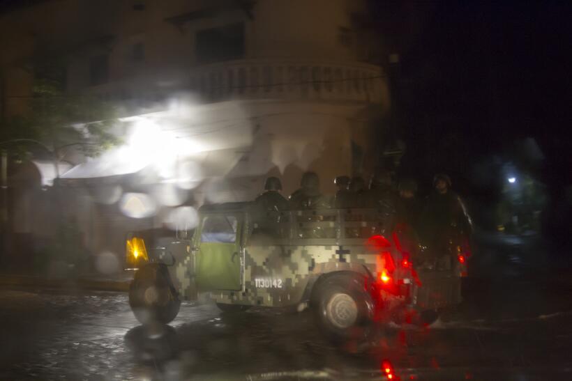 Puerto Vallarta recibe al potente huracán Patricia GettyImages-493991854...