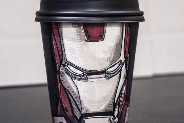 Este joven ha creado retratos de héroes del cómic de 'Iron Man', 'Optimu...