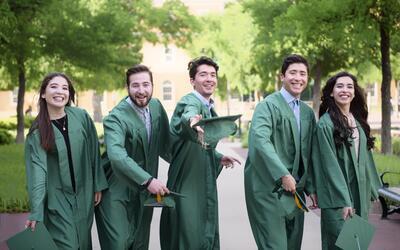Los hermanos Díaz se graduaron este mayo en la Universidad del No...
