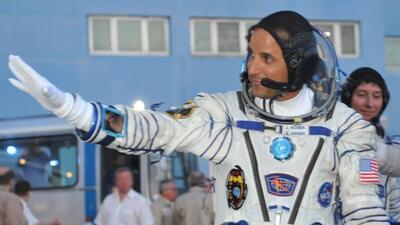 Astronauta de Puerto Rico habla con niños de la isla desde el espacio