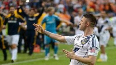 Robbie Keane renovó su contrato con el Galaxy.