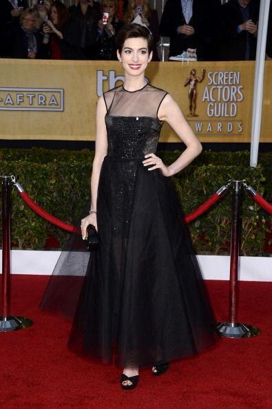 Anne Hathaway es una gran actriz y canta divino. ¡Pero nena!, una bronce...