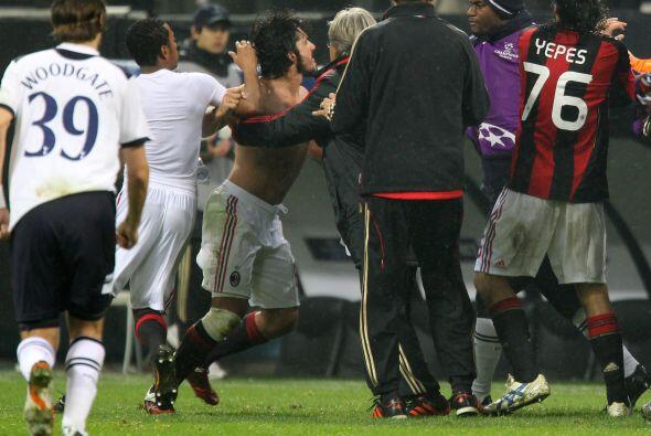 Terminó el partido, incluso con un gol anulado a Ibrahimovic por supuest...
