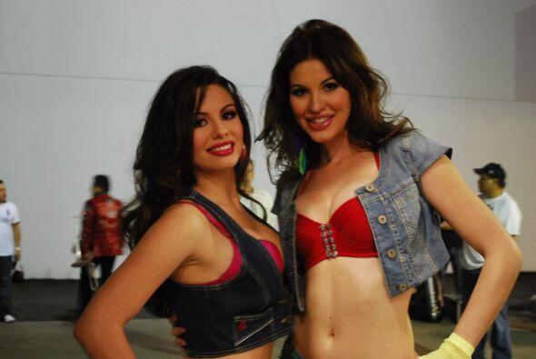 Dos bellas representantes de Cuba.