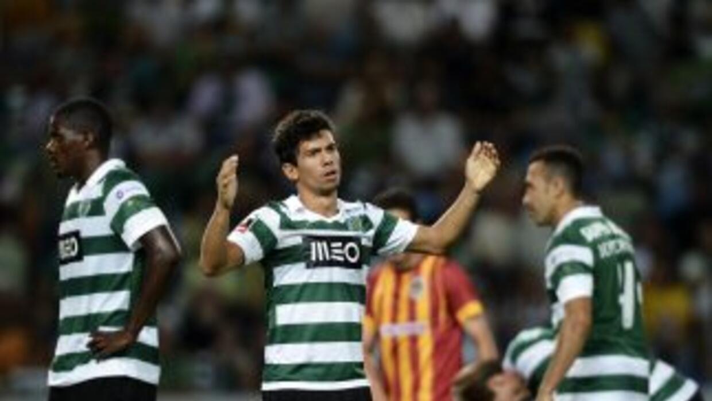 Martins, del Sporting, lamenta un fallo ante Río Ave.