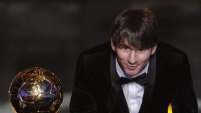 Messi con su Balón de oro del 2012.