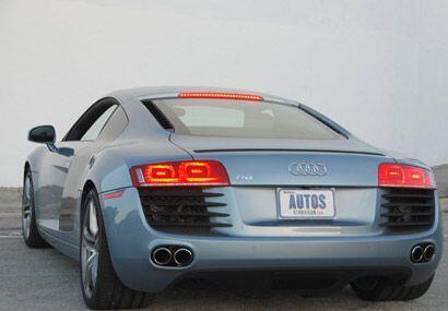 Está basado en el prototipo LeMans Quattro que se presentó en 2003.