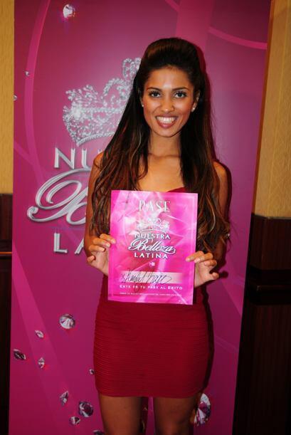Karely Navia de México, audicionó en Los Ángeles. Ella es una de bellas...