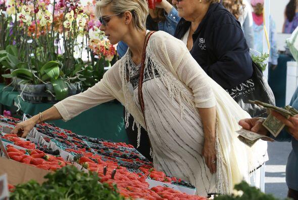 La actriz española Elsa Pataky es una compradora de lo que se le ponga e...