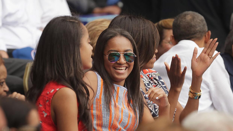 Por qué Sasha Obama terminó trabajando de camarera - Univision