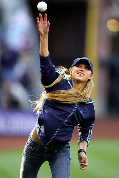 Además, Anna es aficionada a deportes como el soccer y el beisbol. ¡Home...