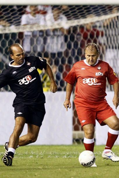 Los equipos se llamaron 'Amigos de Japón'  y 'Amigos de Paraná'. Zico, d...