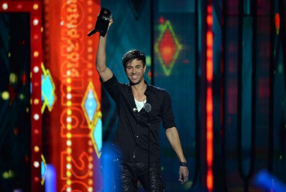 Enrique Iglesias fue reconocido con el premio Supernova.