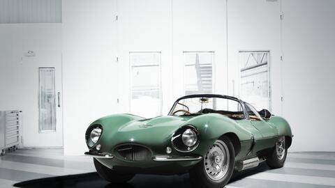 Los Angeles Auto Show jagxkssfront34image16111601.jpg