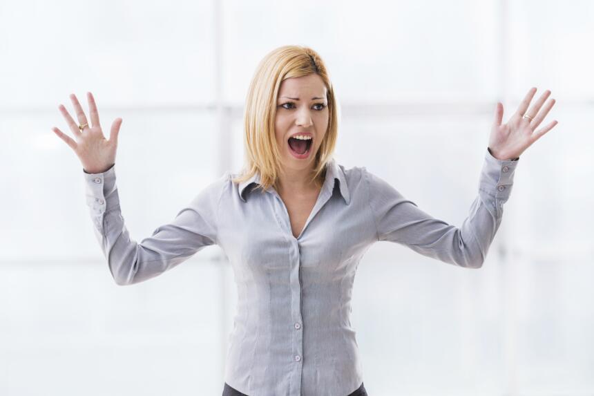 Cuando abrazamos a alguien, el cerebro reduce la producción de cortisol...