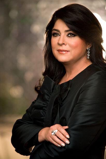 Victoria Ruffo interpreta a Victoria Sandoval una famosa diseñadora de m...