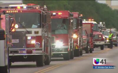 Procesión fúnebre de bombero caído