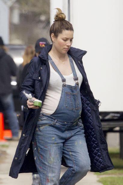 ¿Estás embarazada? ¡Usa los pantalones de peto! No sólo tienen mucho est...