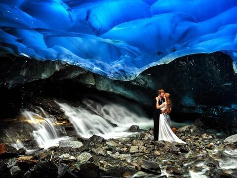 Esta pareja decidió celebrar su enlace en Alaska y tomarse sus pr...