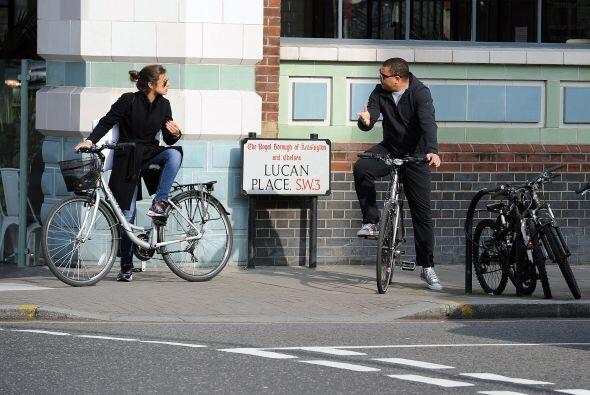 Al final le comentó algo a su novia antes de partir en la bicicleta para...