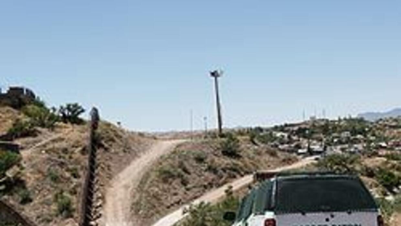 EU refuerza vigilancia fronteriza en Arizona 62c3637652f44b38a06430785e5...