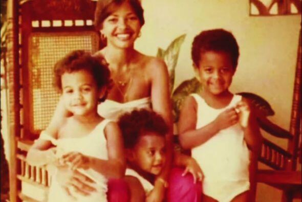 """""""Estando pequeñas, con mis hermanas y yo, siempre era el español en la c..."""