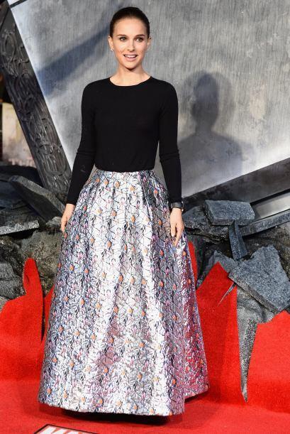 Indudablemente la más bella de la noche fue Natalie Portman, quie...