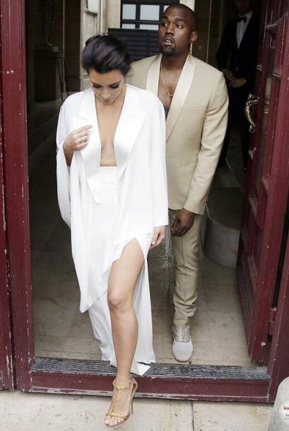Los dos vistieron muy elegantes para la visita.Mira aquí lo último en ch...