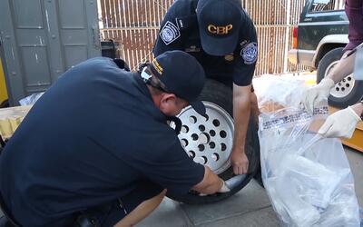 Oficiales de Aduanas y Protección Fronteriza descubren metanfetam...