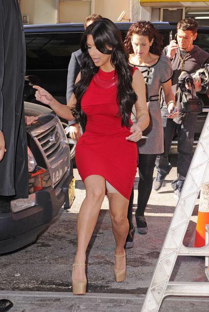 También deberían enseñarle a caminar a Kim, de esta manera podría evitar...