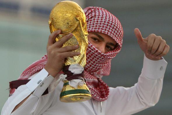 Es embajador de la candidatura electa de Catar al Mundial de fútbol de 2...