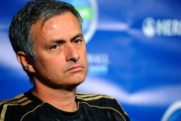 Mourinho, odiado y amado...pero uno de los mejores técnicos. Exit...