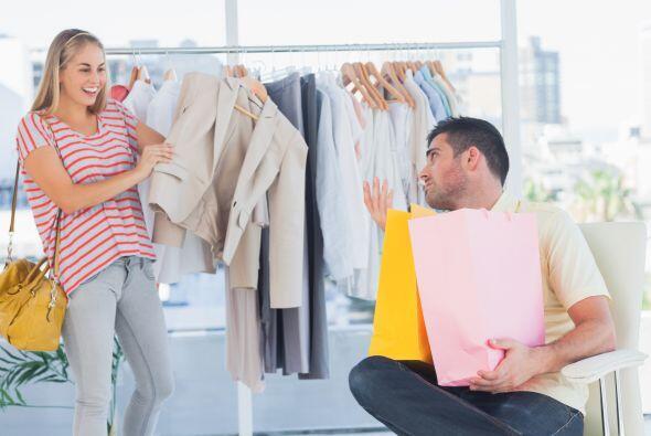 1. Cuando se trata de comprar, evita llevar tus emociones, positivas o n...
