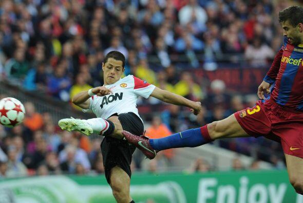 Y Piqué hizo lo mismo con Javier Hernández.