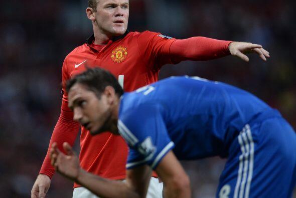 Wayne Rooney, objetivo del Chelsea, salió en el cuadro titular de los lo...