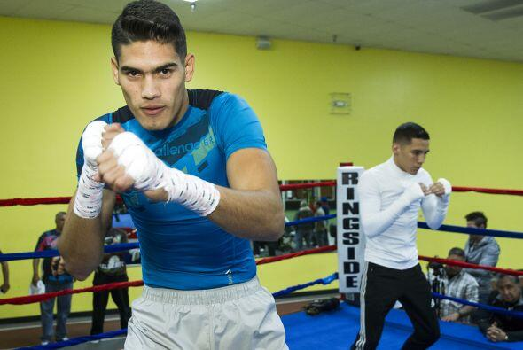 Dos boxeadores mexicanos con más futuro, 'Zurdo' Ramírez y Oscar Valdez...