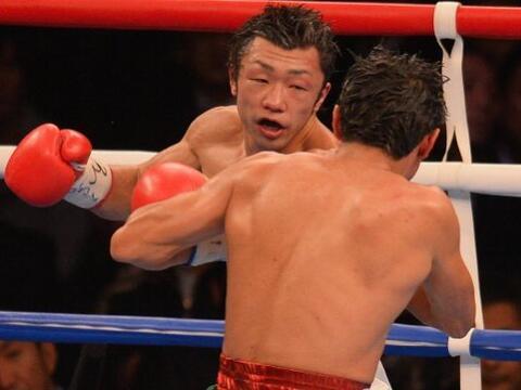 El japonés Akira Yaegashi retuvo su título de peso mosca d...