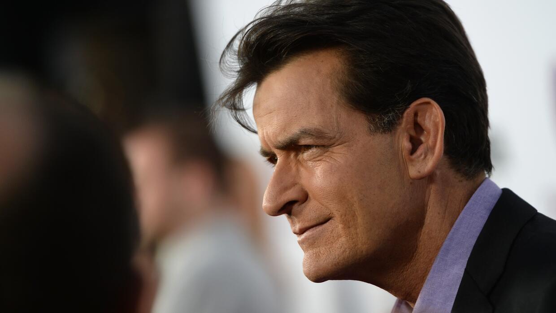 El médico de Sheen fue enfático al explicar que aunque es VIH positivo,...