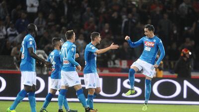 Nápoles golea en Bolonia con gol y asistencia de Callejón
