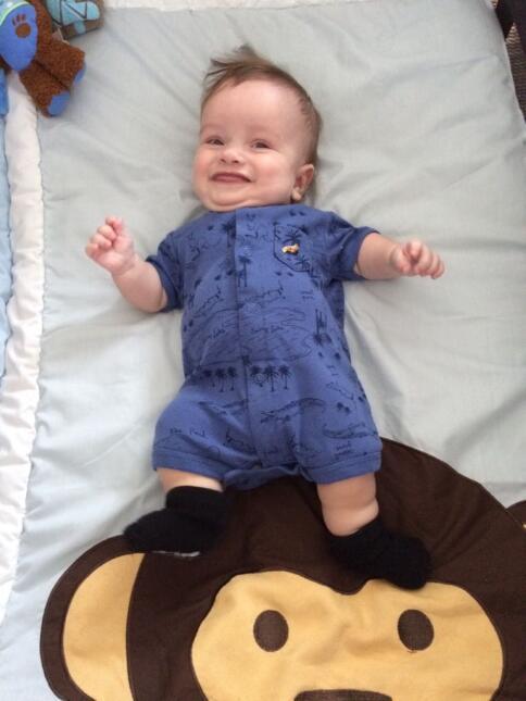 Así se recupera el bebé de Carlitos 'el productor' en el hospital emlu08...