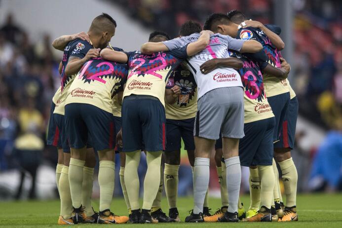 ¡Fiesta americanista! Chivas es último en la tabla general 20171018-4118...