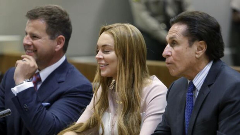 La actriz Lindsay Lohan evitó ir a la cárcel a cambio de pasar 3 meses e...