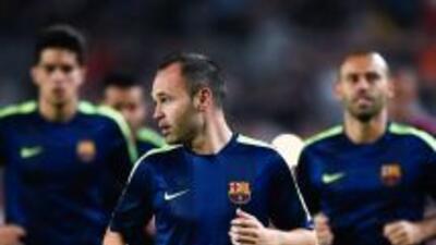 Andrés Iniesta ya entrena con el Barcelona.