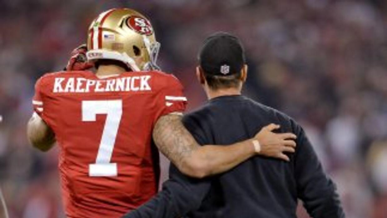 Jim Harbaugh entiende el conocimiento y pasión de un jugador (AP-NFL).