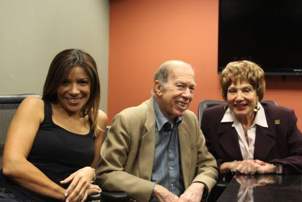 Paula Arcila, personalidad, Amor 107.5 FM; Armando Pérez Roura, director...