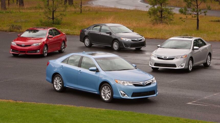 Estos son los autos más confiables de Estados Unidos Toyota-Camry-2012-1...