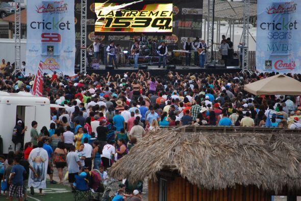 Enciende tus vacaciones con Univision Radio McAllen en Playa Caliente 20...